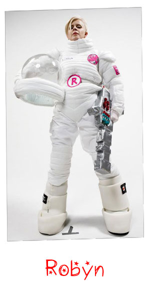 Robyn-01-spacesuit